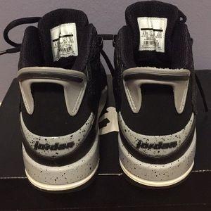 Jordan Shoes - Boys Jordan shoes